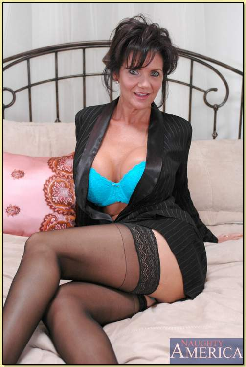 deauxma in boots