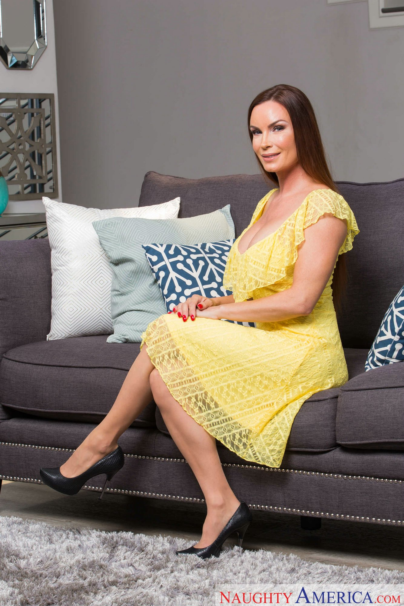 Diamond Foxxx Strips Off Her Sexy Yellow Dress And Teasing -9066