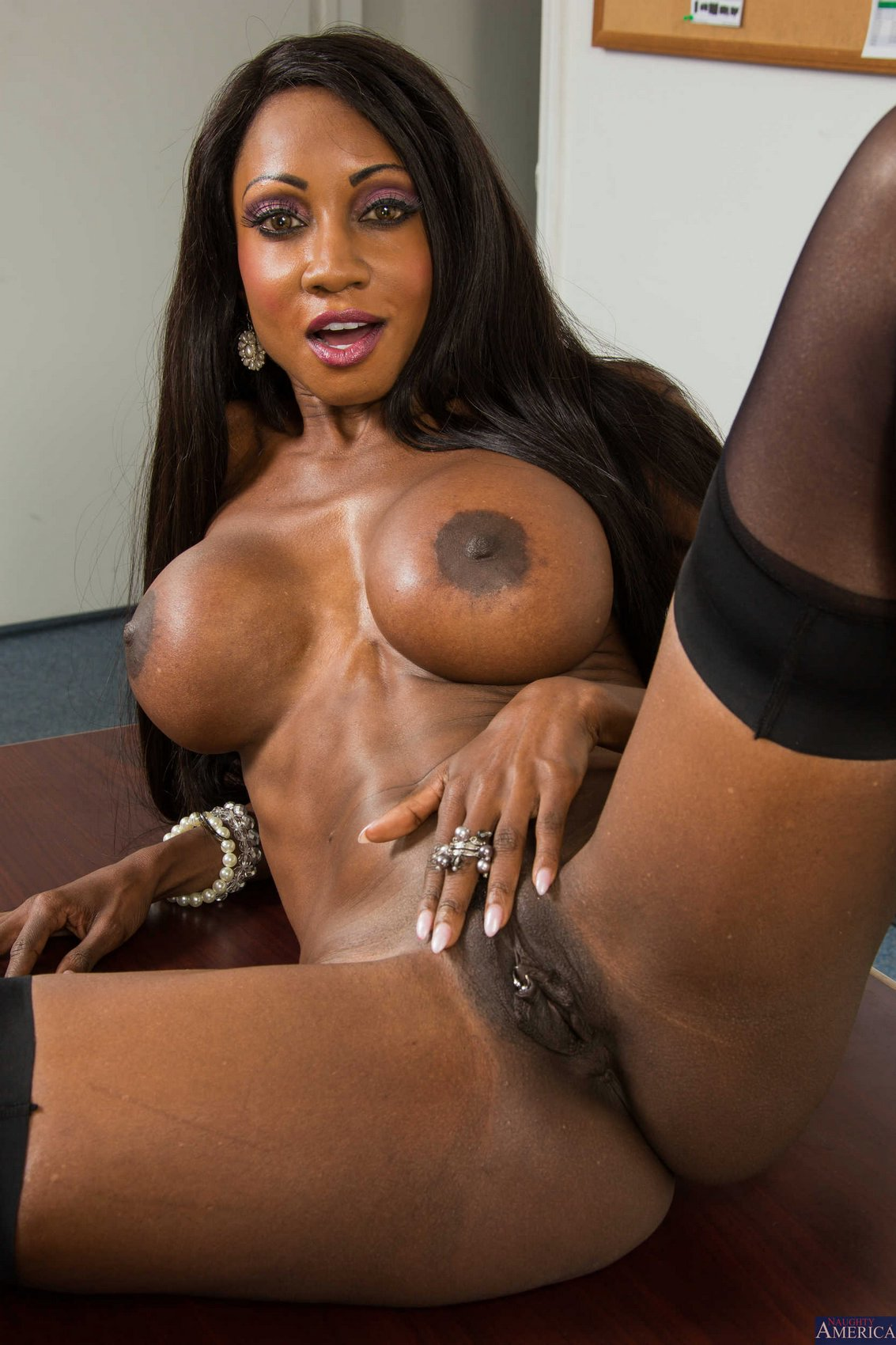 Diamond Jackson Stripping And Posing In The Classroom - My -3961