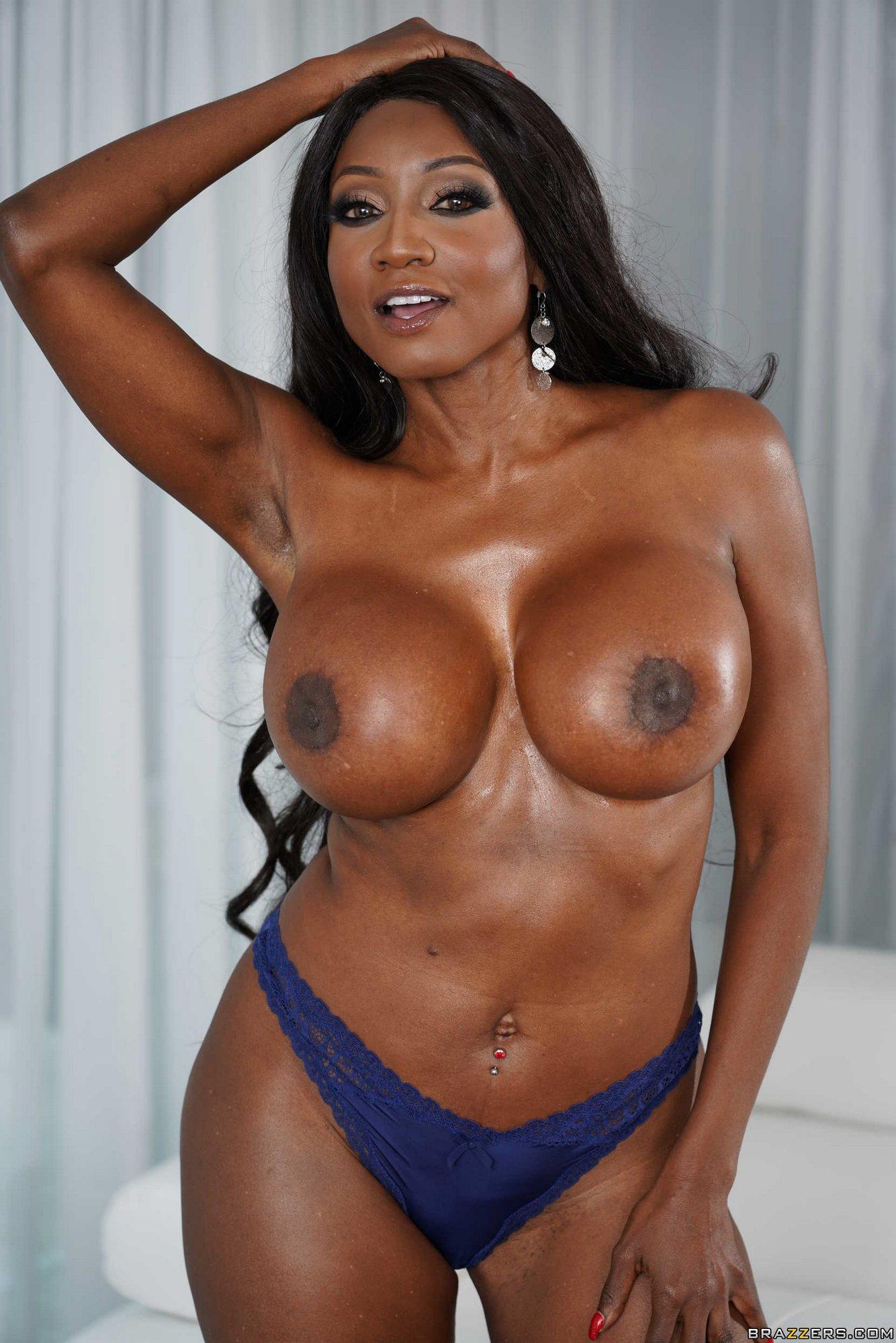 Black Beauty Diamond Jackson Getting Nude - My Pornstar Book-4377