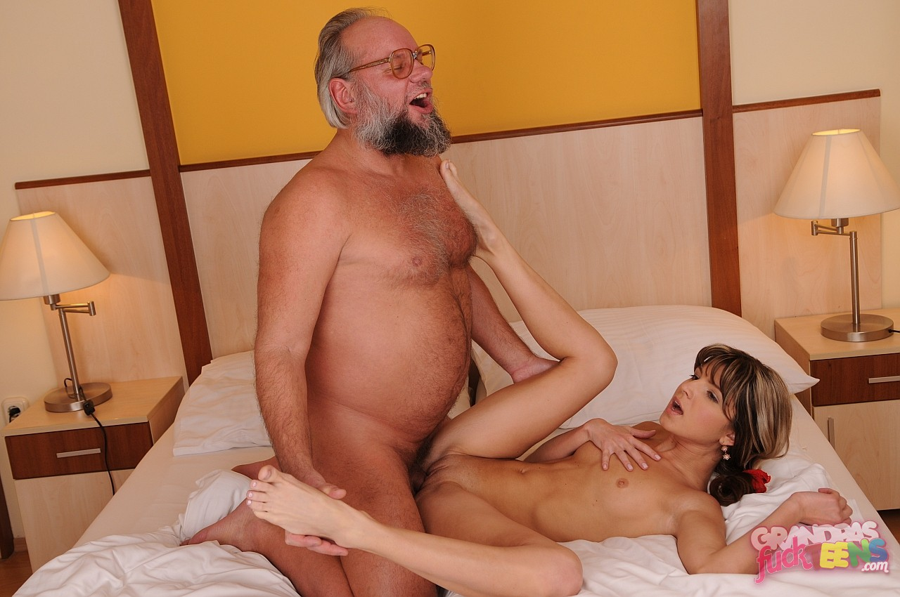 Old Man Hard Sex With Teen Girl On Bed