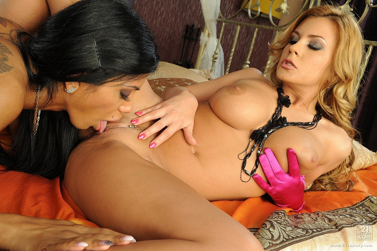 Busty lesbians Dorothy Black and Kyra Black dildoing each ...