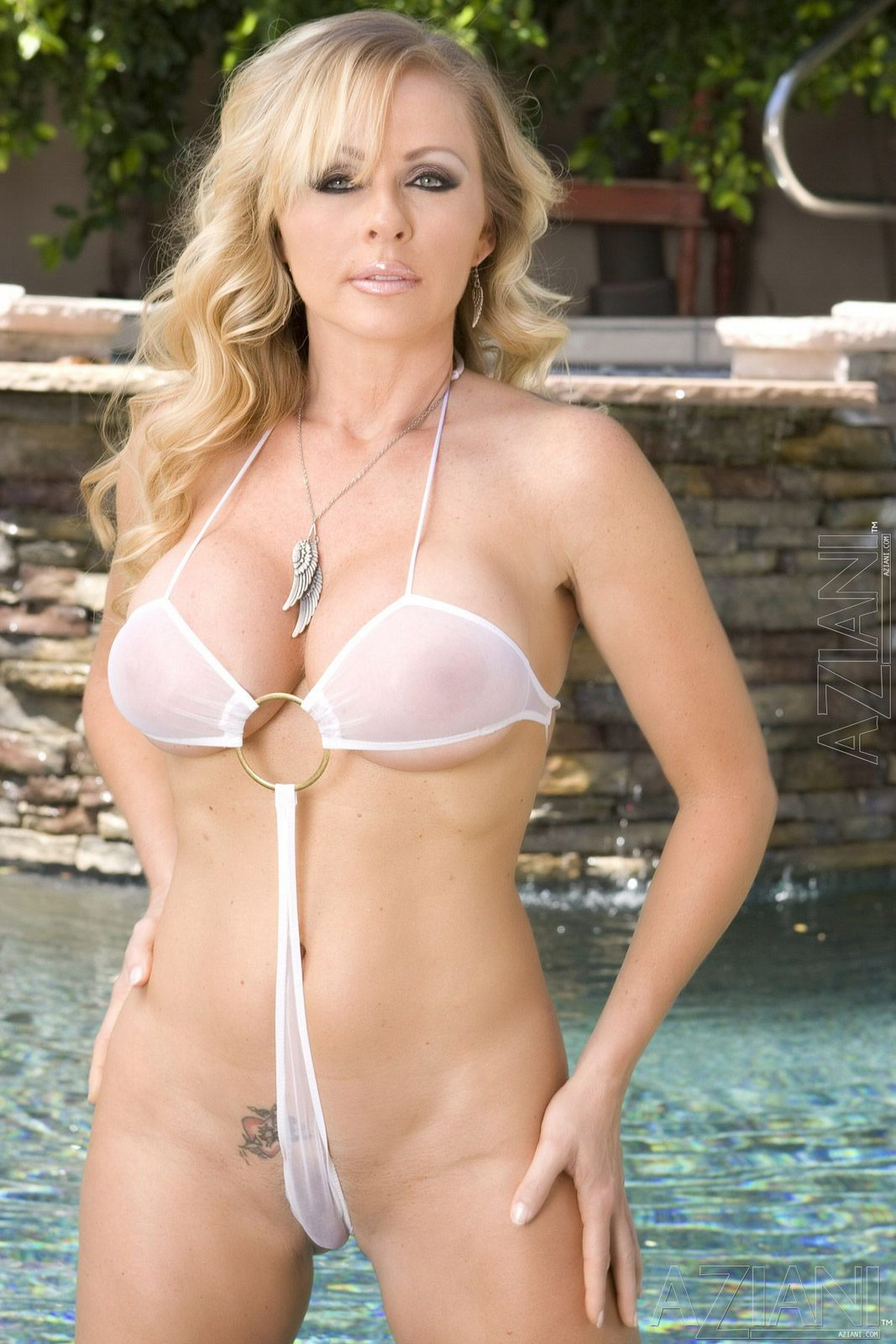 Hot bikini MILF Dyanna Lauren posing at the poolside - My ...