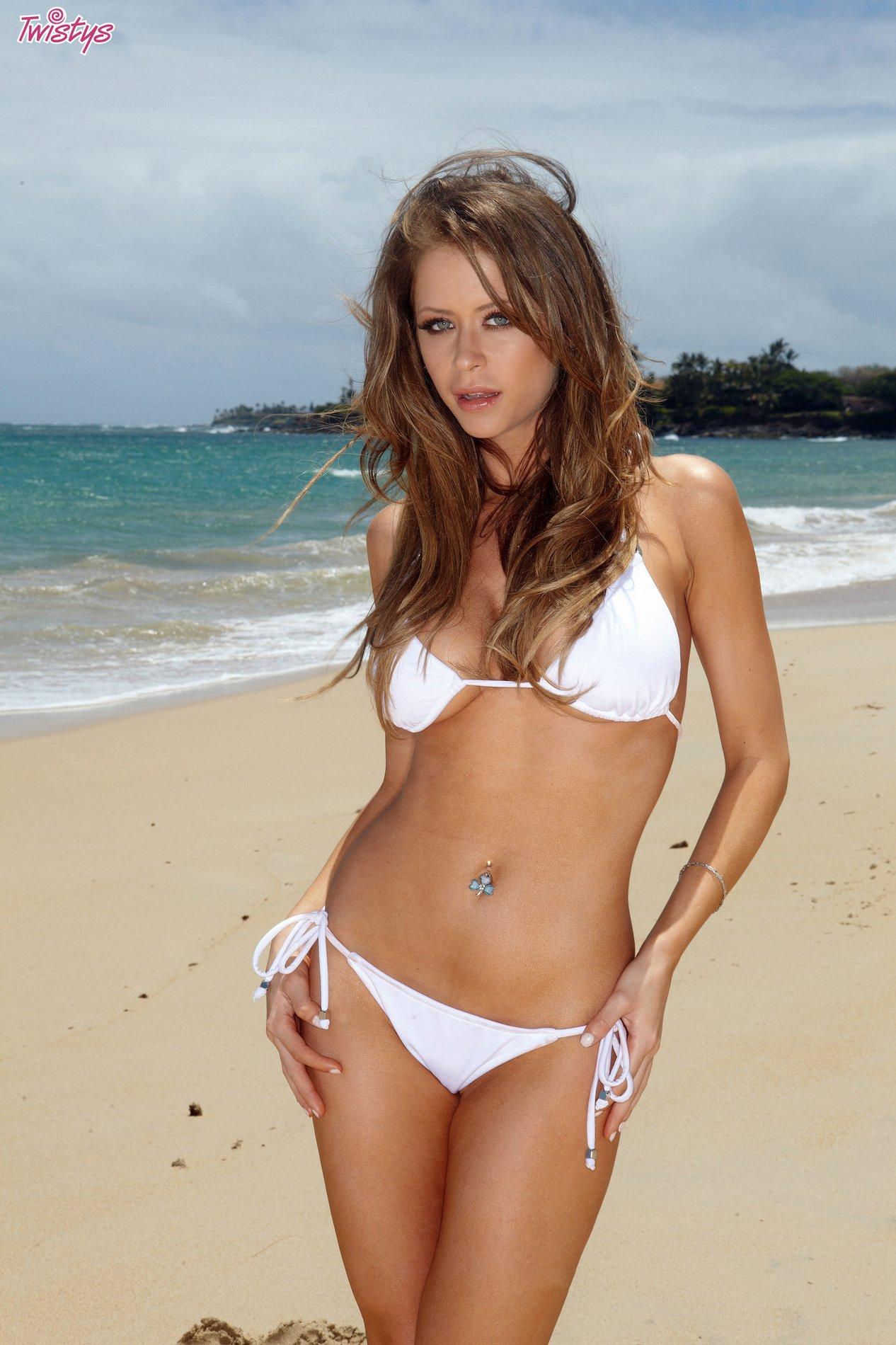 Bikini beauty Emily Addison poses on the beach - My ...