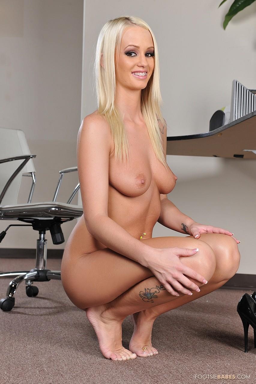 emily austin nude