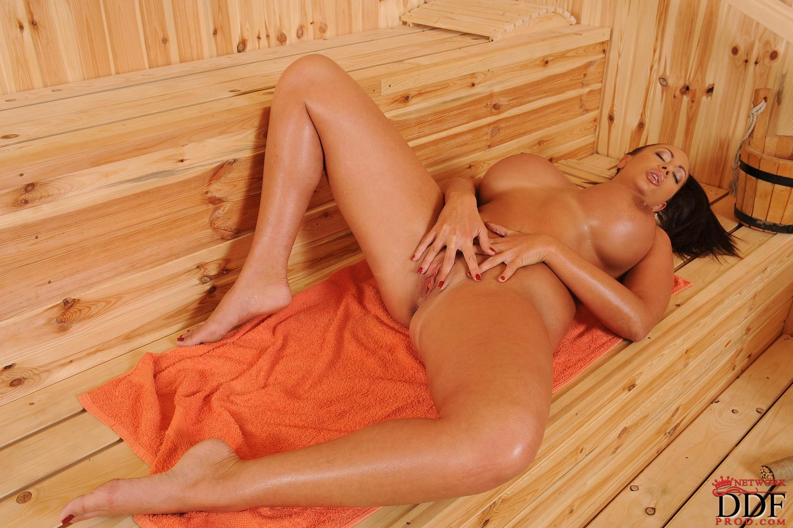 emma butt showing off her sexy body in the sauna   my