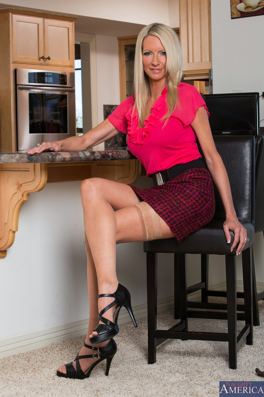 Emma Starr In Sexy Stockings And Shoes Posing For You - My -8911