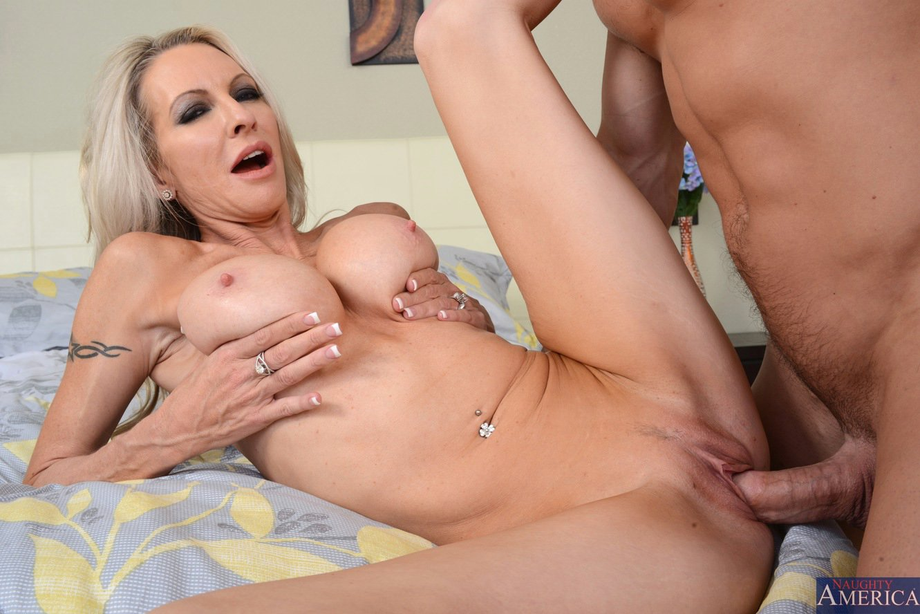 Download photo emma starr gets ass fucked and dp in threesom dp in threesome