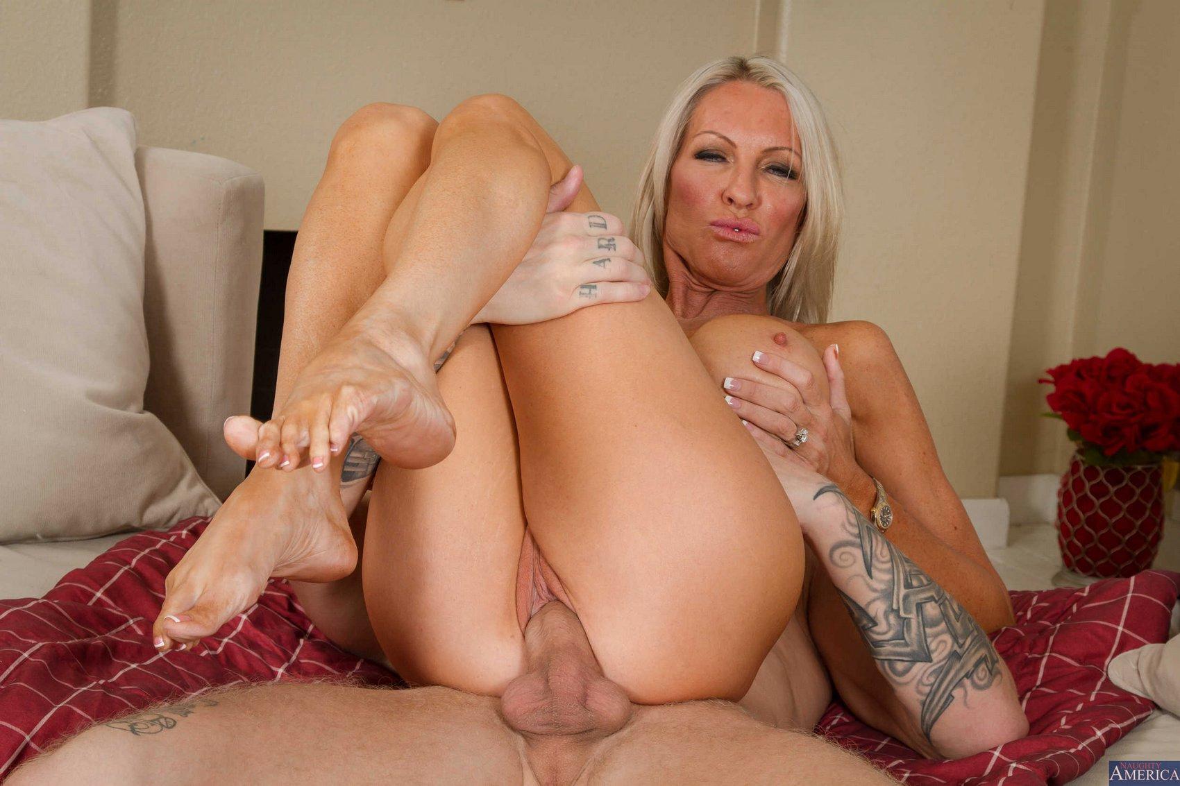 hot girls naked and horne