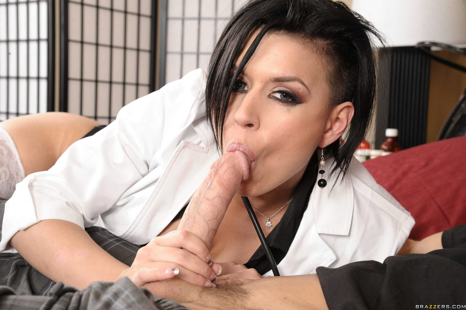 Eva angelina doctor