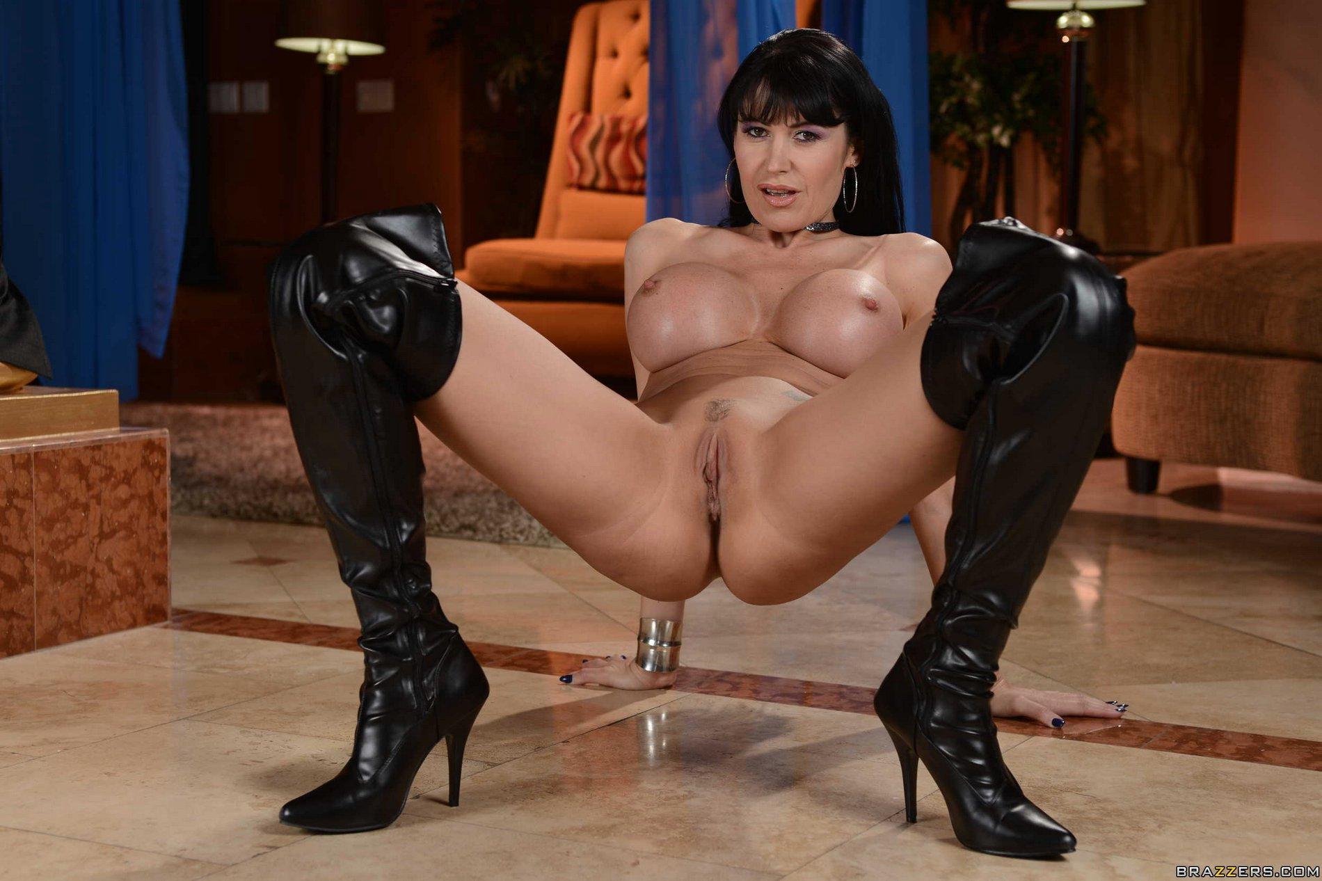 Rapidshare women erotic wrestling