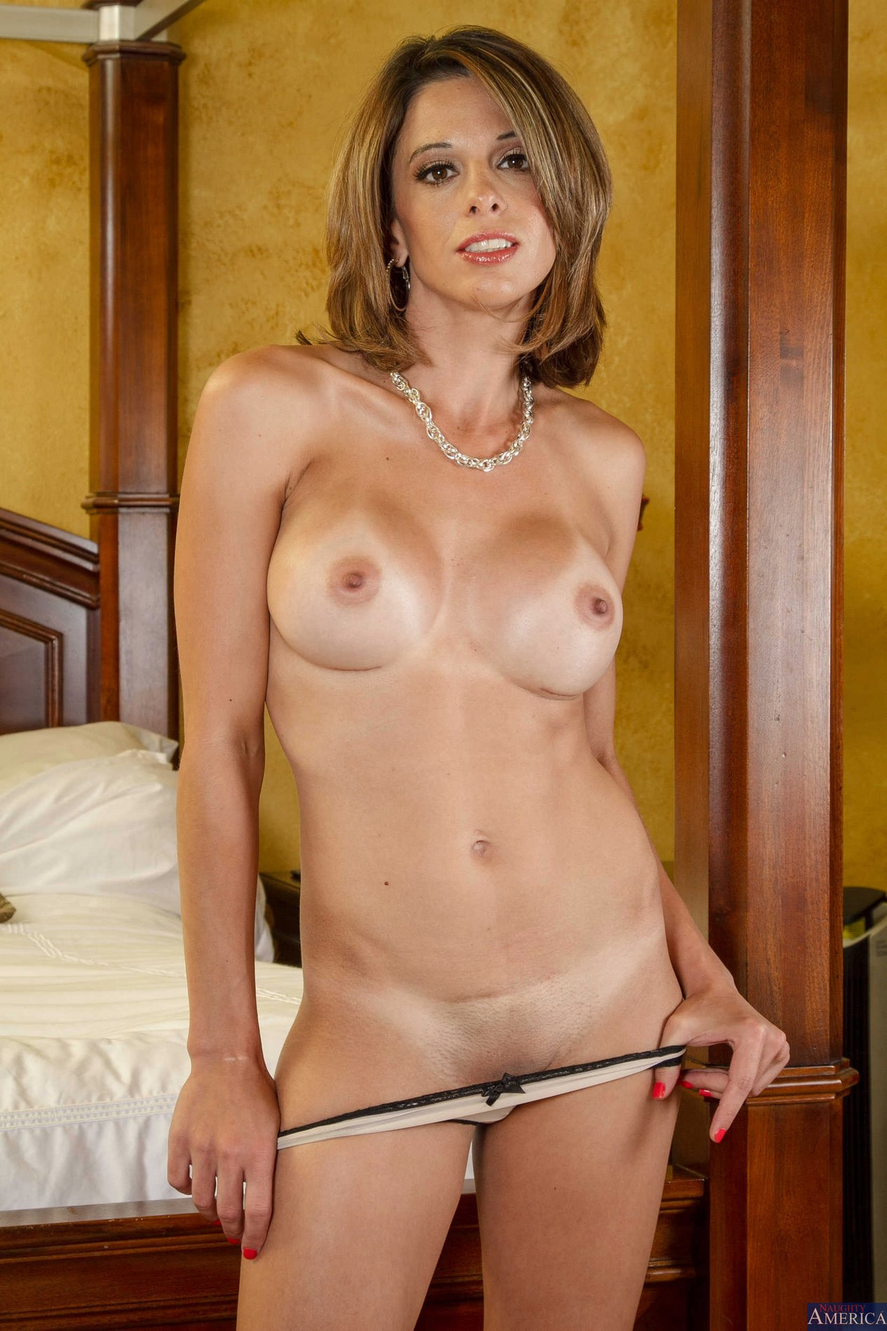 Pornstar milf strip