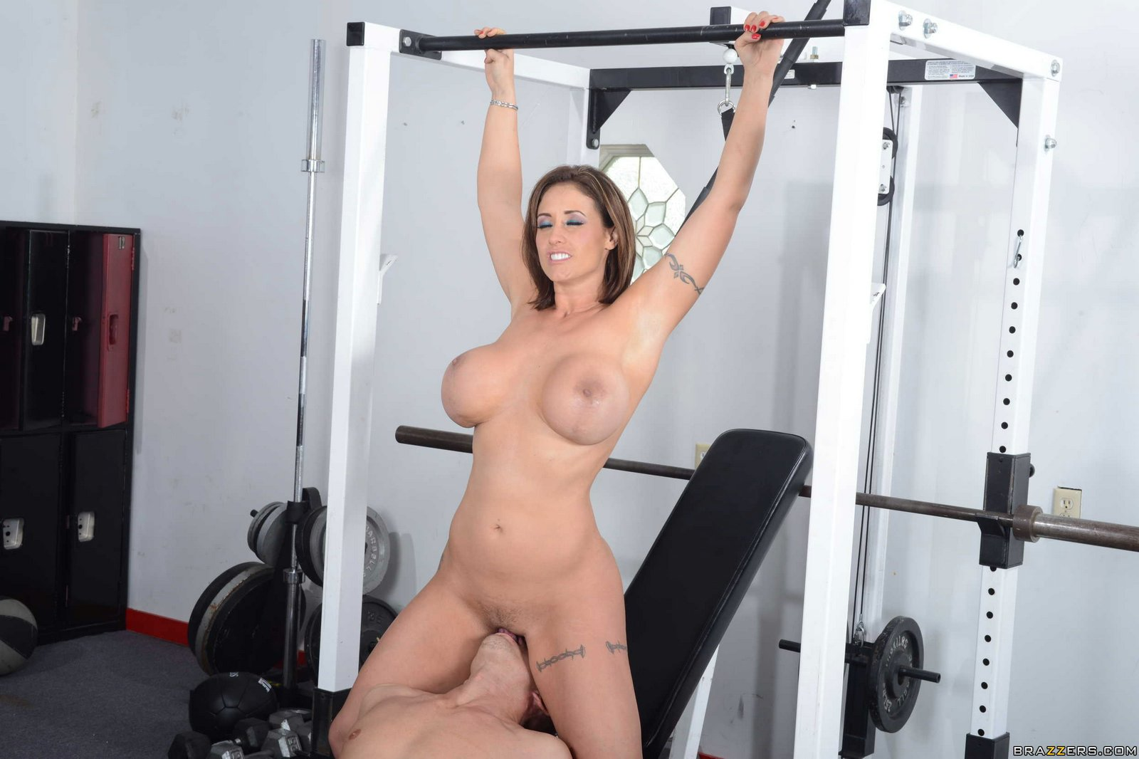 Girls fucking in gym