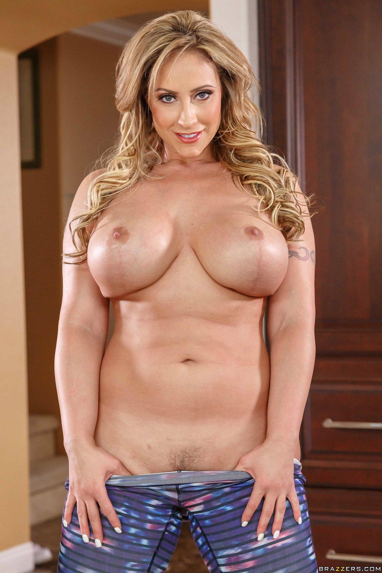 Gorgeous Blonde Milf Eva Notty Posing Naked For Camera -2411