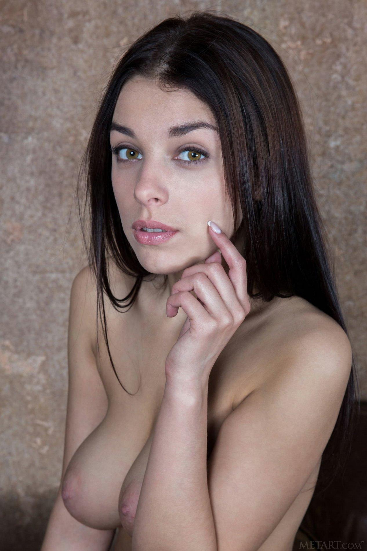 Evita Lima exposes her amazing body - My Pornstar Book