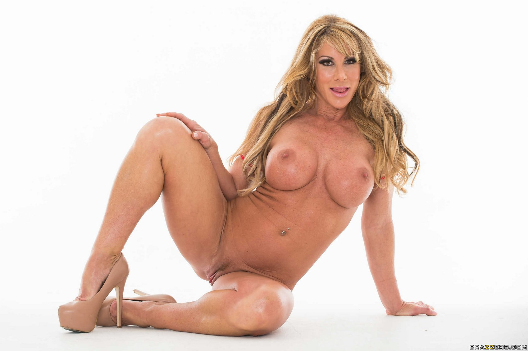 farrah dahl showing her sexy body in front of the camera   porn pics