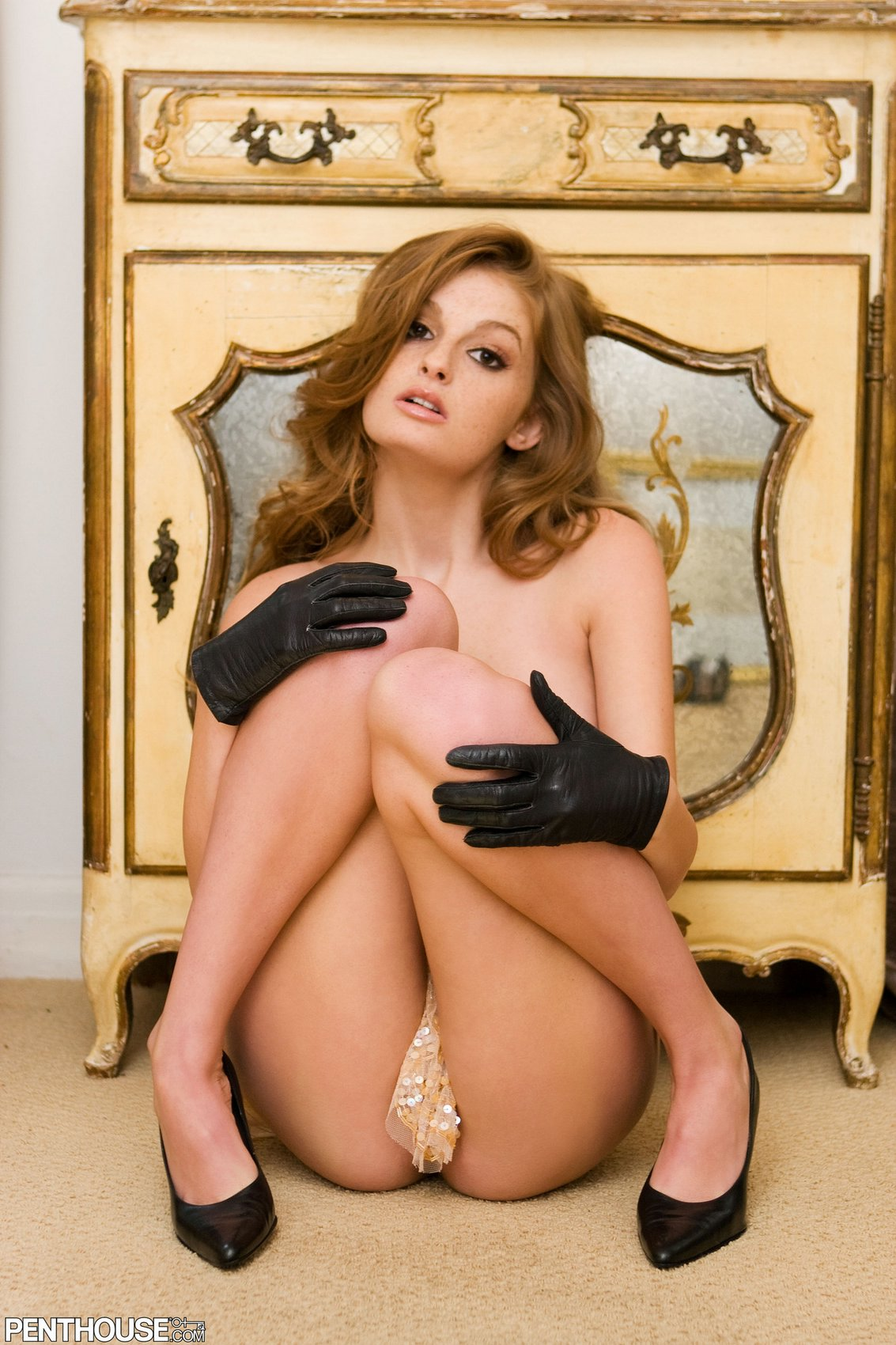 Faye Reagan In Black Heels And Gloves Posing For Your -8221