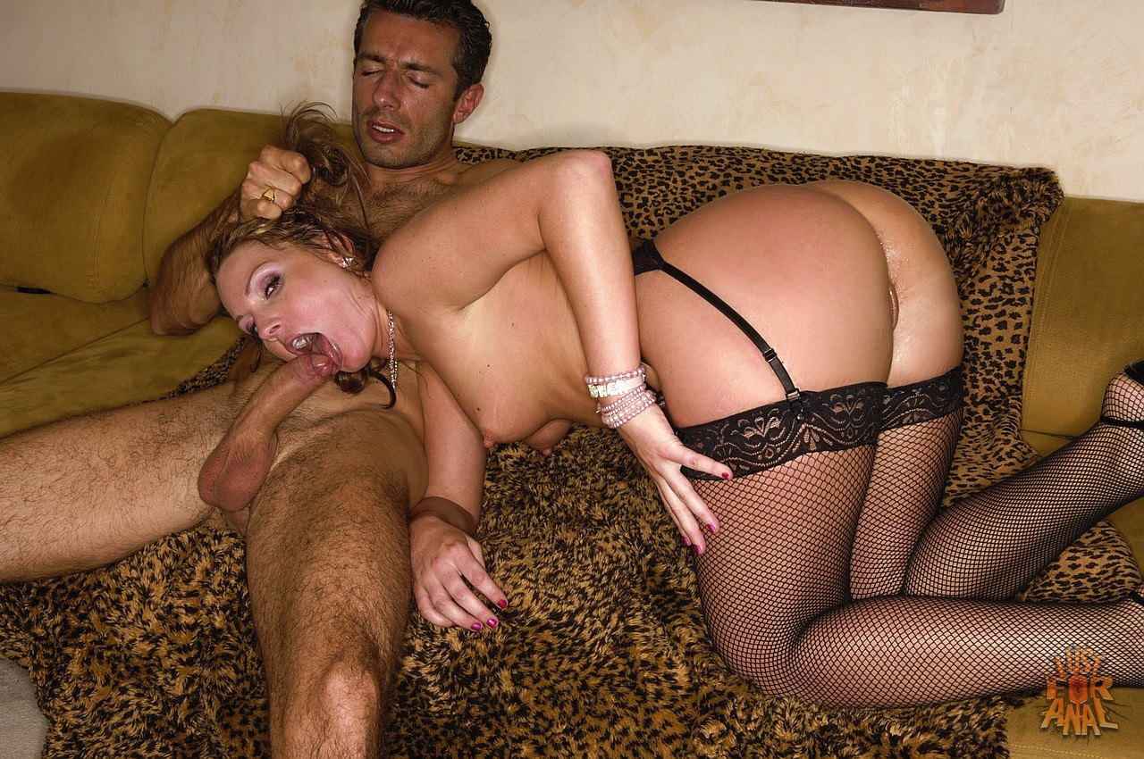 Stockings flower tucci