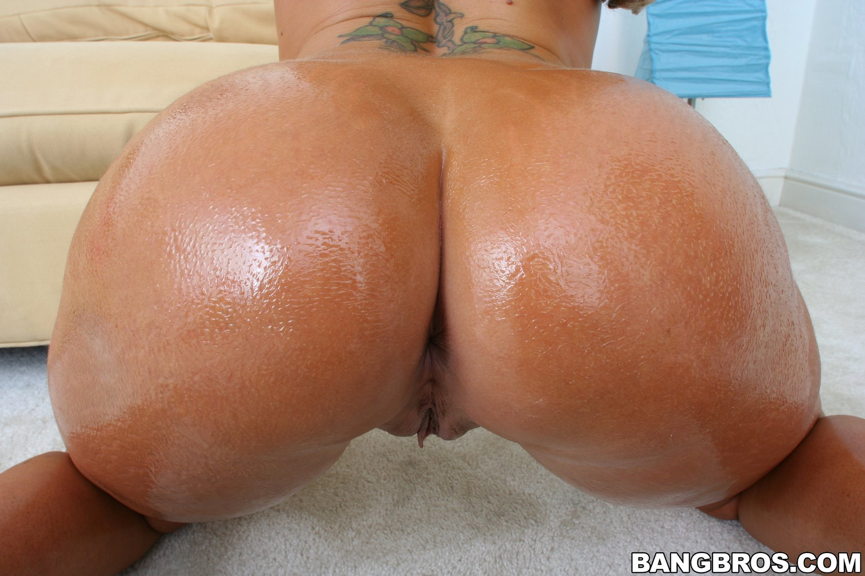 Big butt pornstars like it big