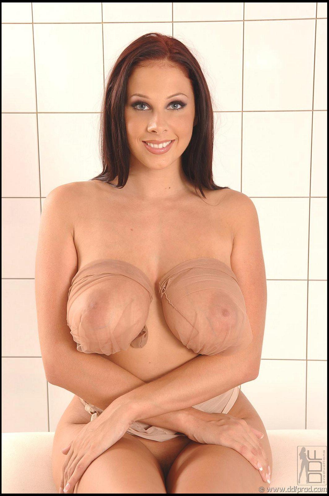 Gina Michaels