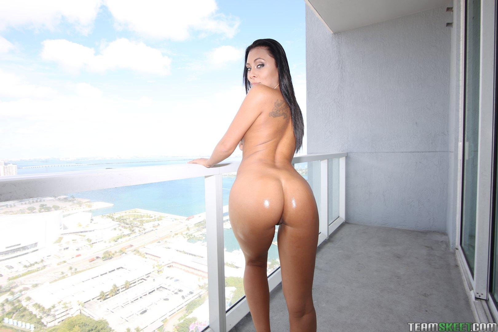gianna nicole ass