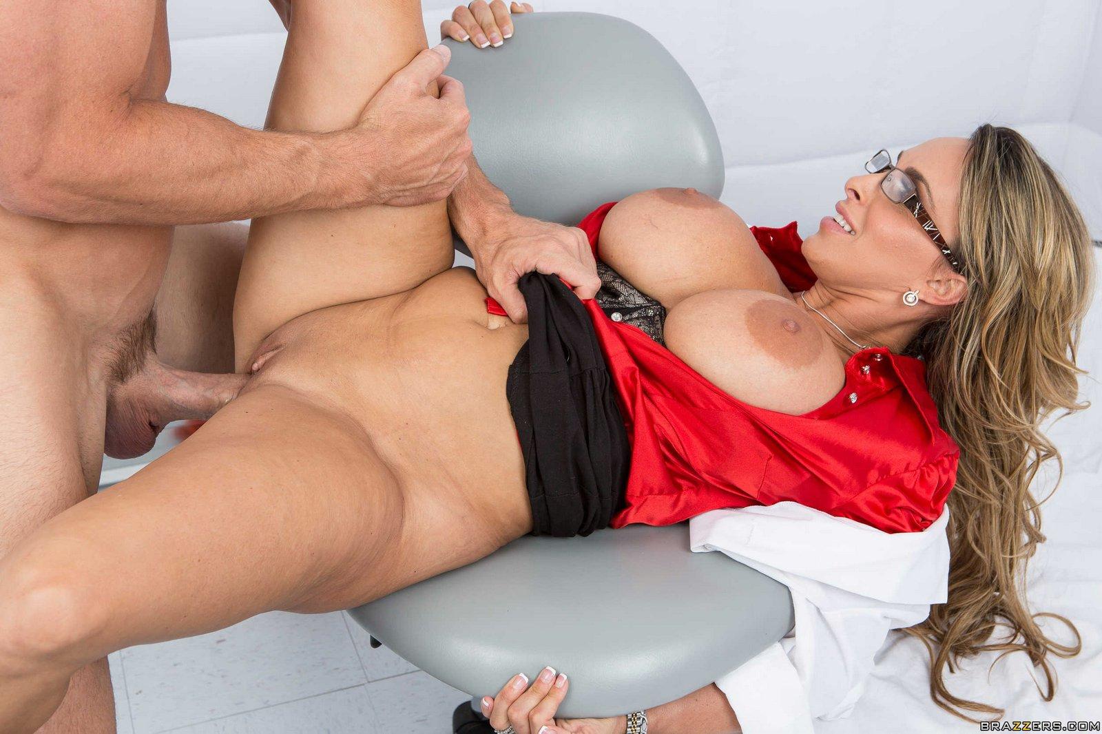 Холли халстон в порно с неграми, Все видео с Холли Халстон Holly Halston - смотри на 26 фотография