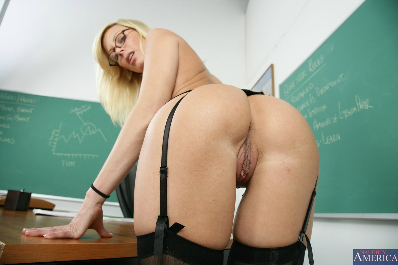 Opinion you Holly sampson teacher porn what words
