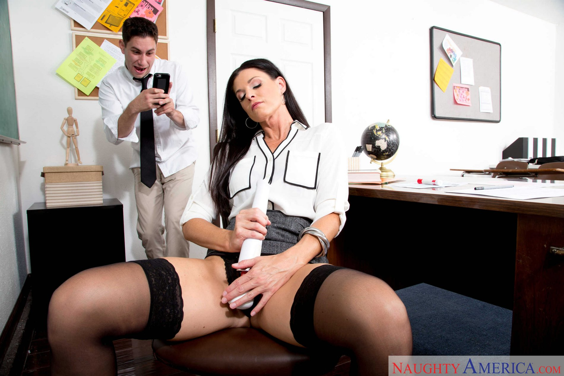 Horny Teacher India Summer Having Hot Sex With Her Student -6107