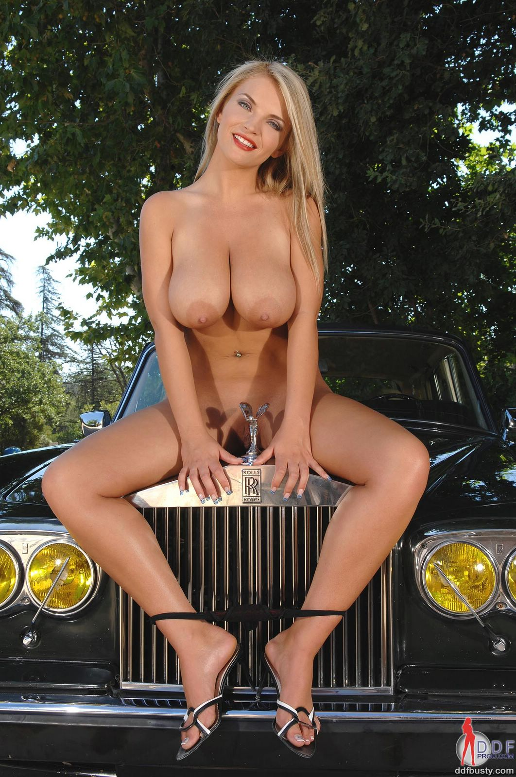 Masturbating in the car while driving 8