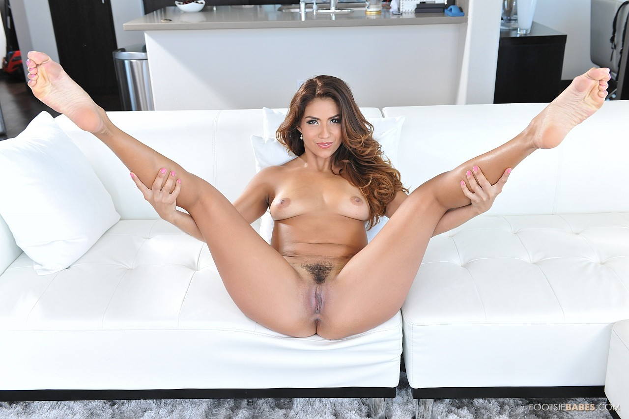 Free nude farrah pics