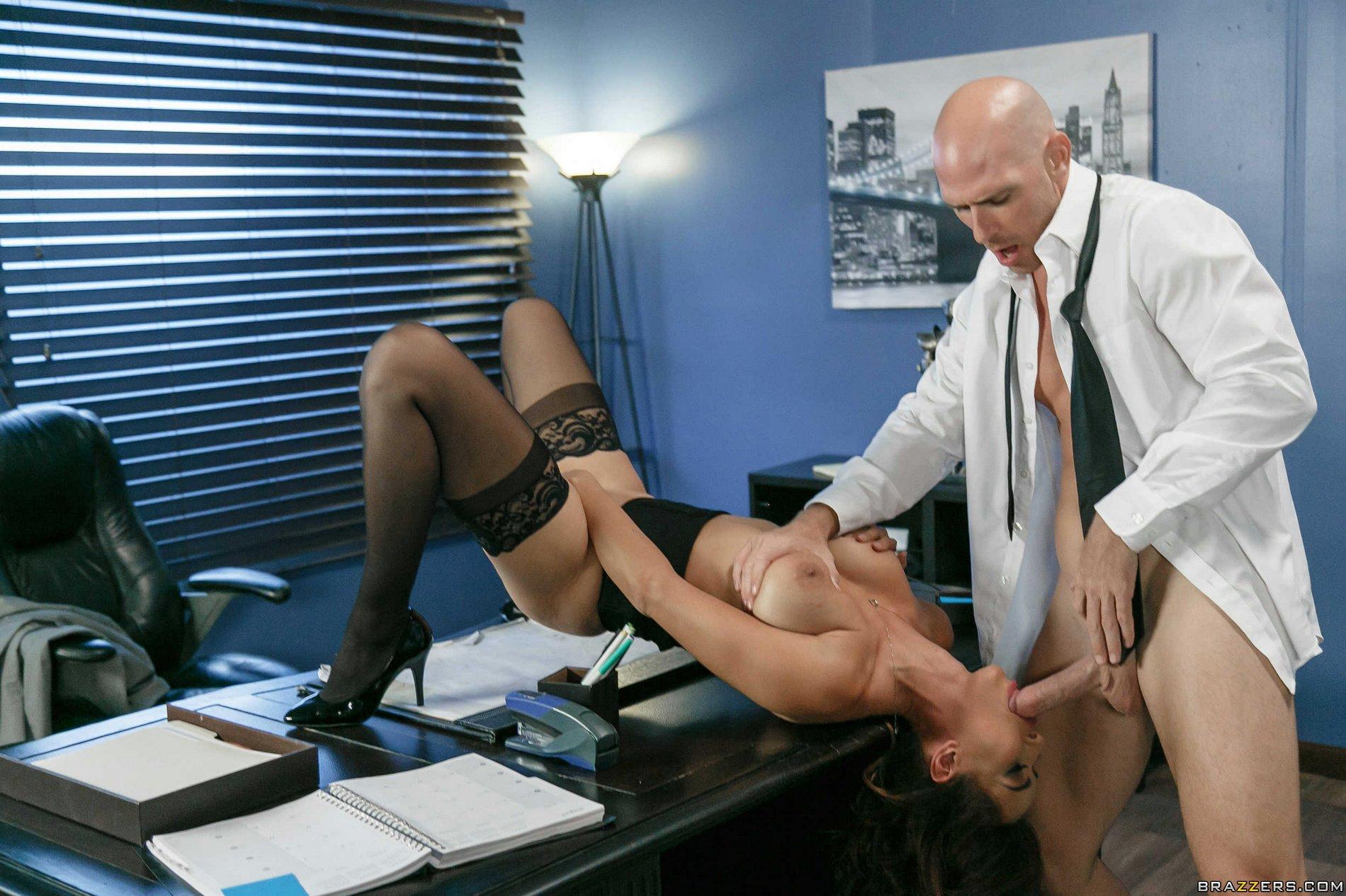 Mariskax pascal fucks his busty secretary elizabeth