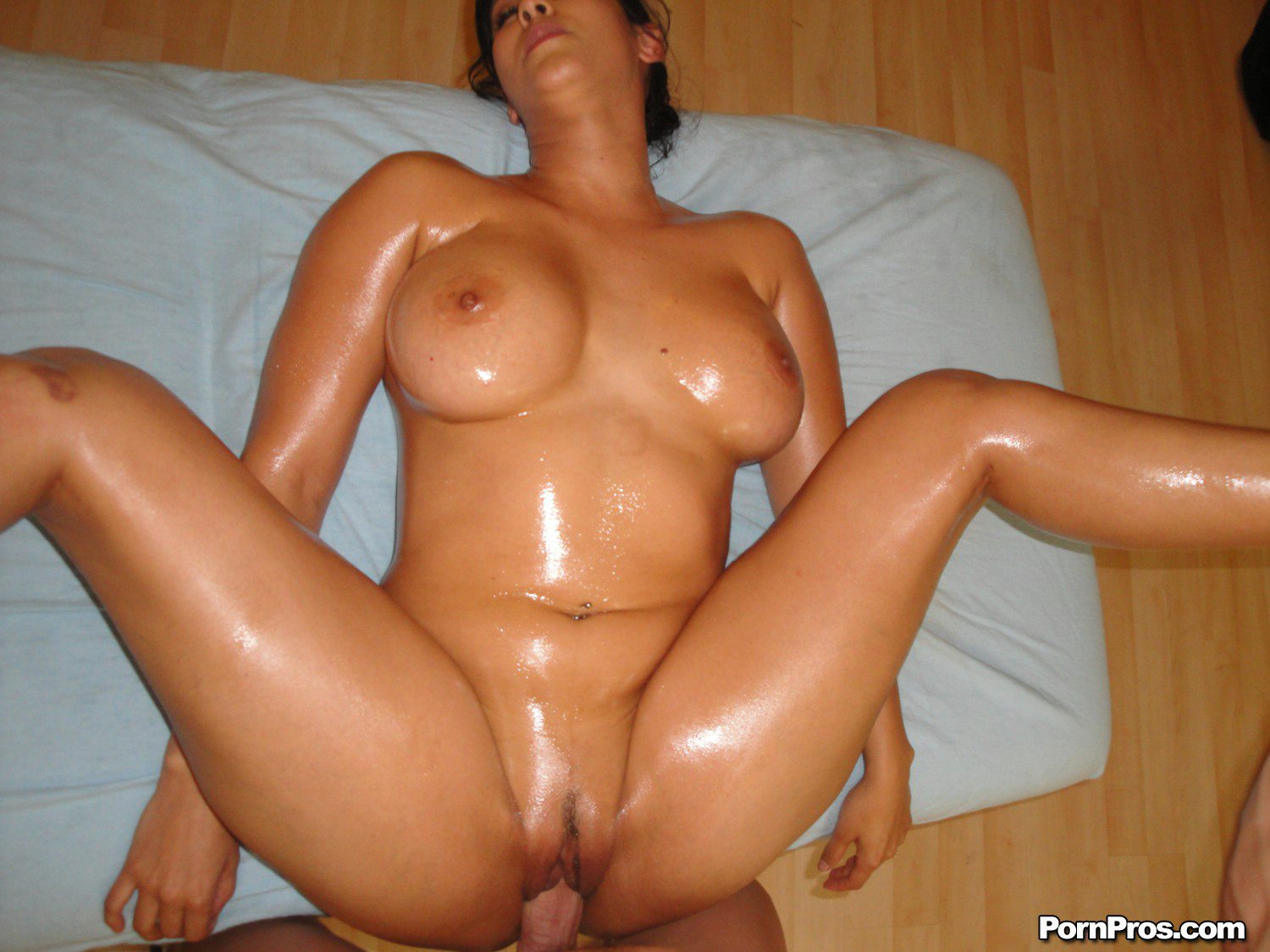 Isis Love Massage Porn - Isis Love enjoys hot massage and gets fucked hard.