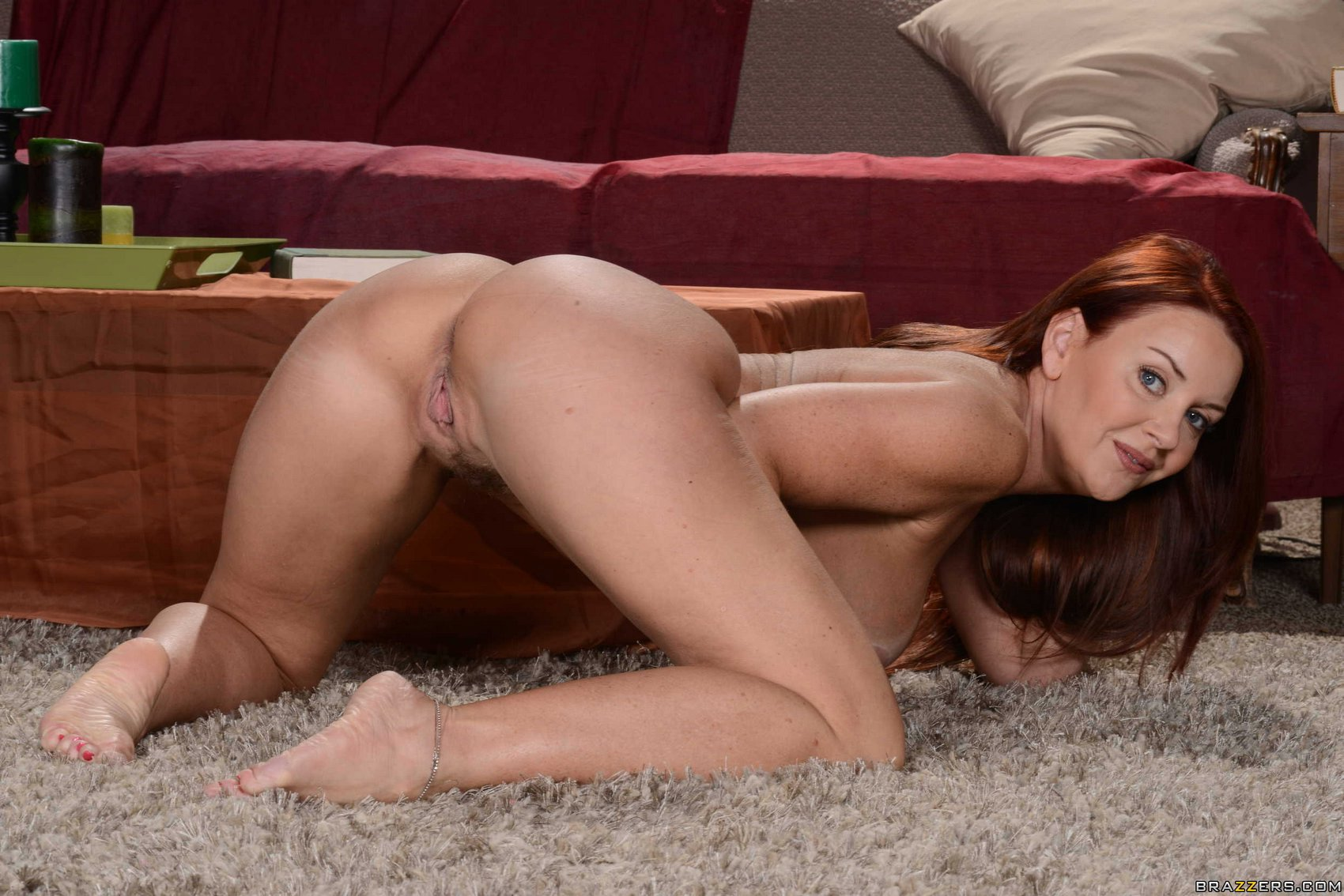 janet sharpe naked