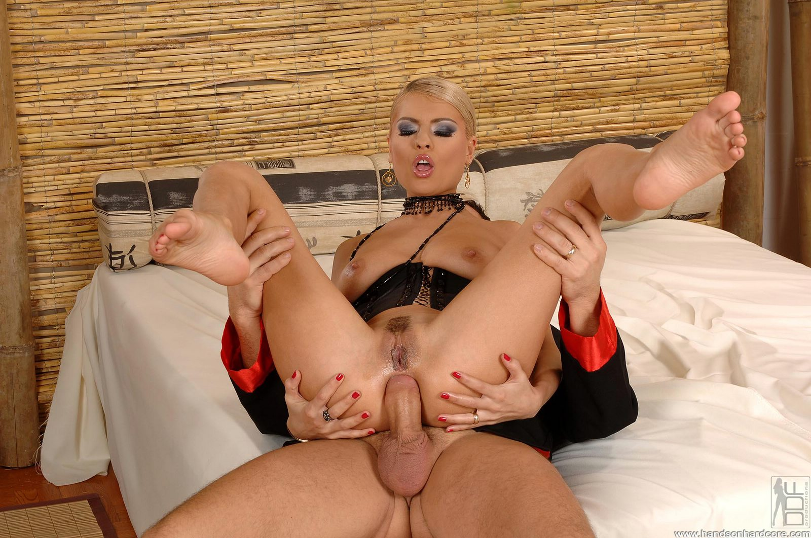 Помог кончить онанистке Jasmine Rouge порно фото бесплатно