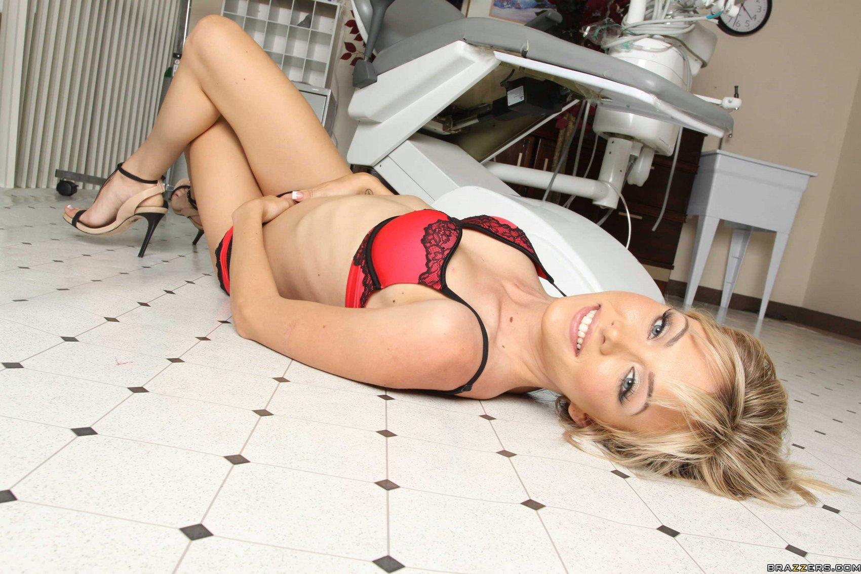 Blonde slut jeanie marie sullivan cock fucking 6