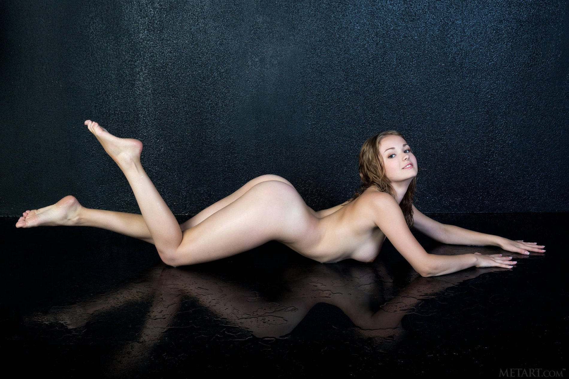 Topnotch Naked Girl With A Trimmed Pussy Poses