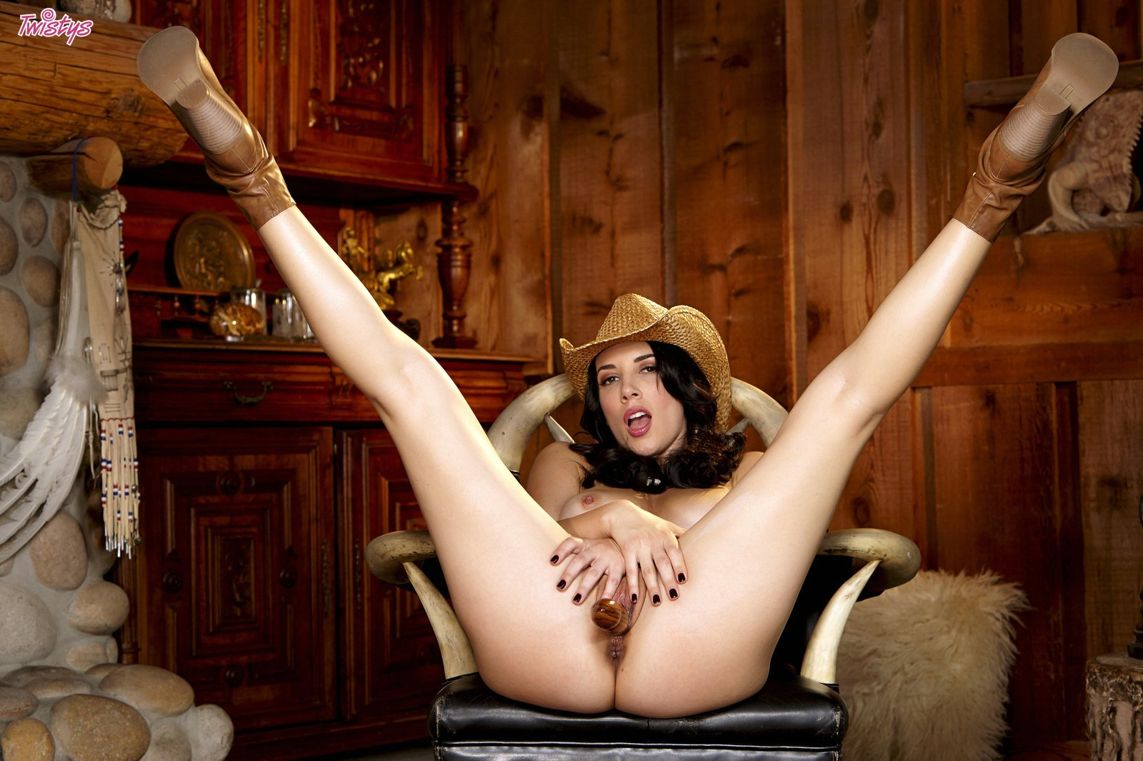Nude blonde country girl pussy