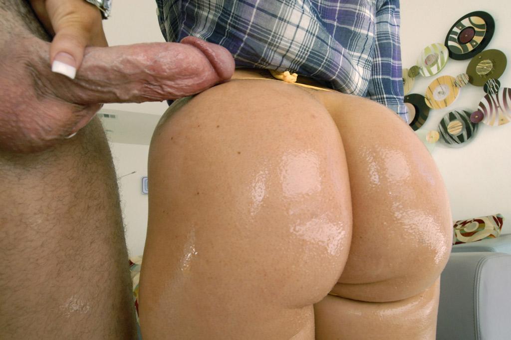 Sexy Oiled Brunette Jenna Presley Fucks Big Cock In Pov -7939