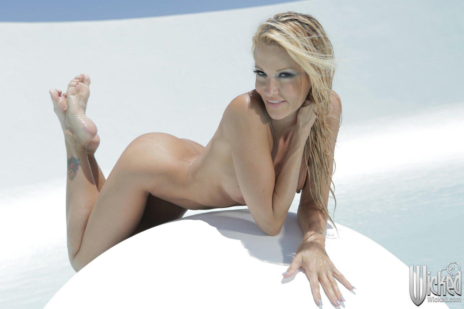 Mocha uson nude photos