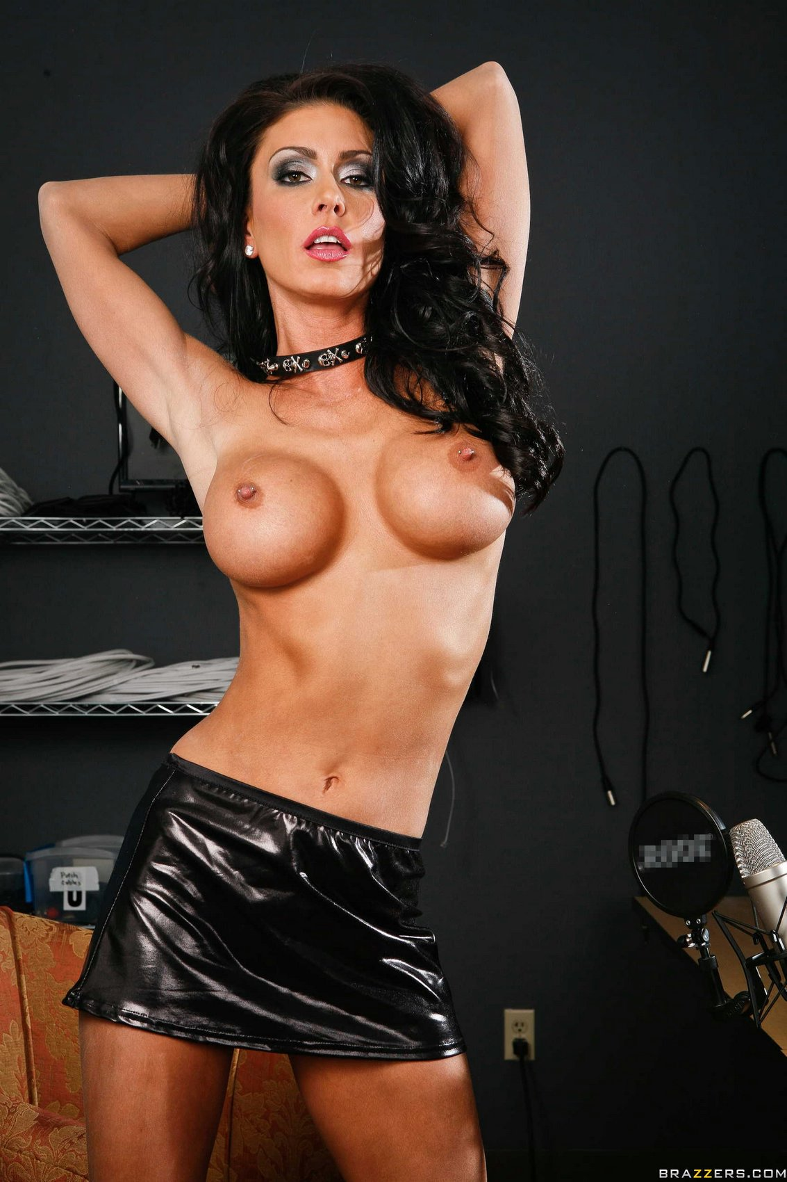Porn icon jessica jaymes drips her pussy wet in anticipation 4