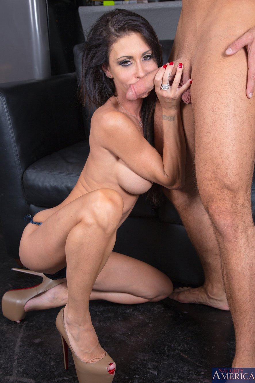 Jessica jaymes amp aaliyah hadid fucking a big dick big booty