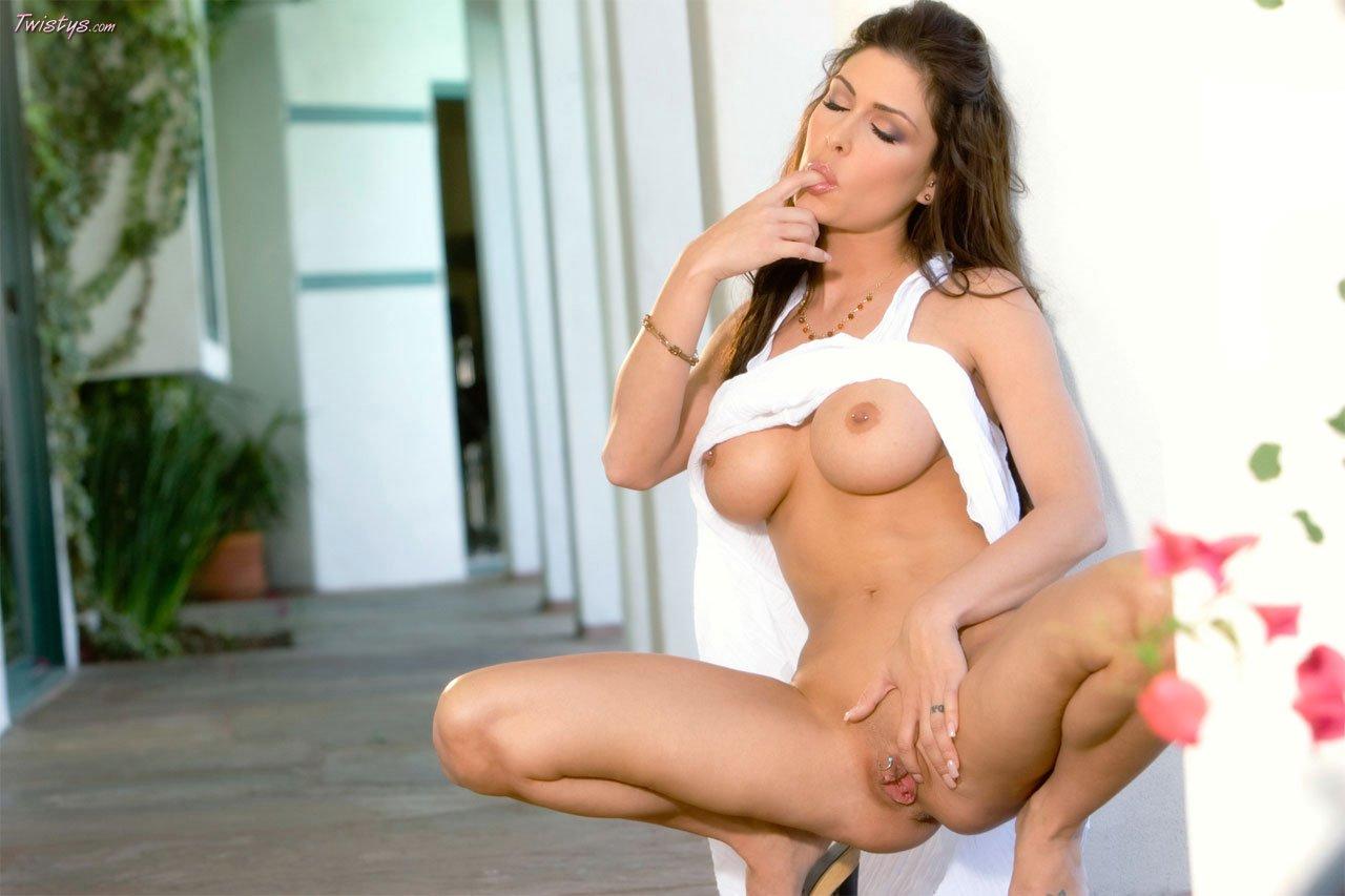 erica leerhsen posing naked