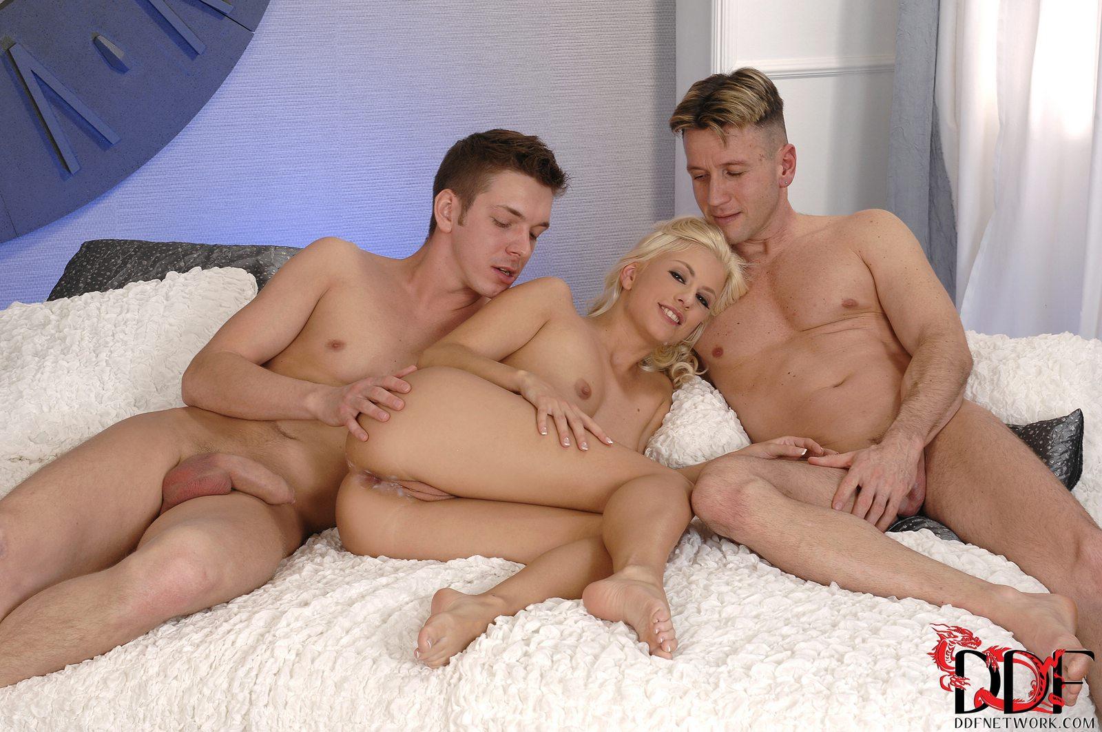 Реальный секс с мачехой, гиг порно мачеха видео смотреть HD порно бесплатно 20 фотография