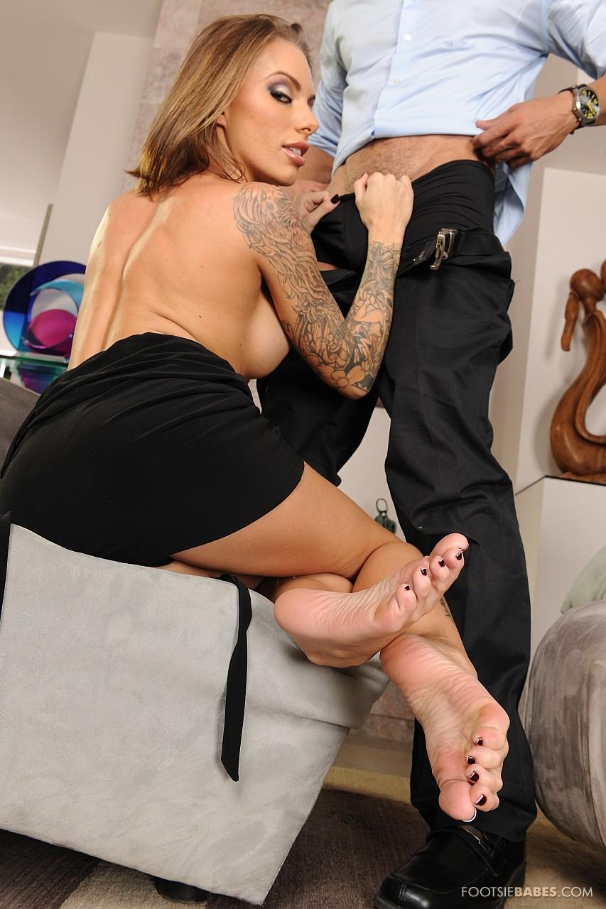 Young Lady Juelz Ventura Enjoys Hot Foot Fetish Sex - My -1074