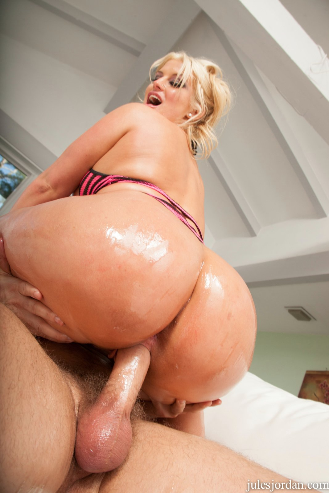 Big ass julie cash - 2 part 7