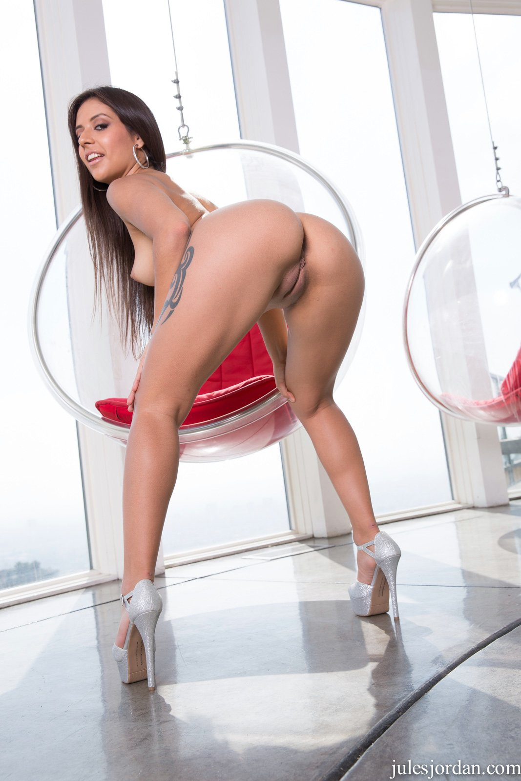 cute beauty jynx maze in sexy heels poses for camera   my