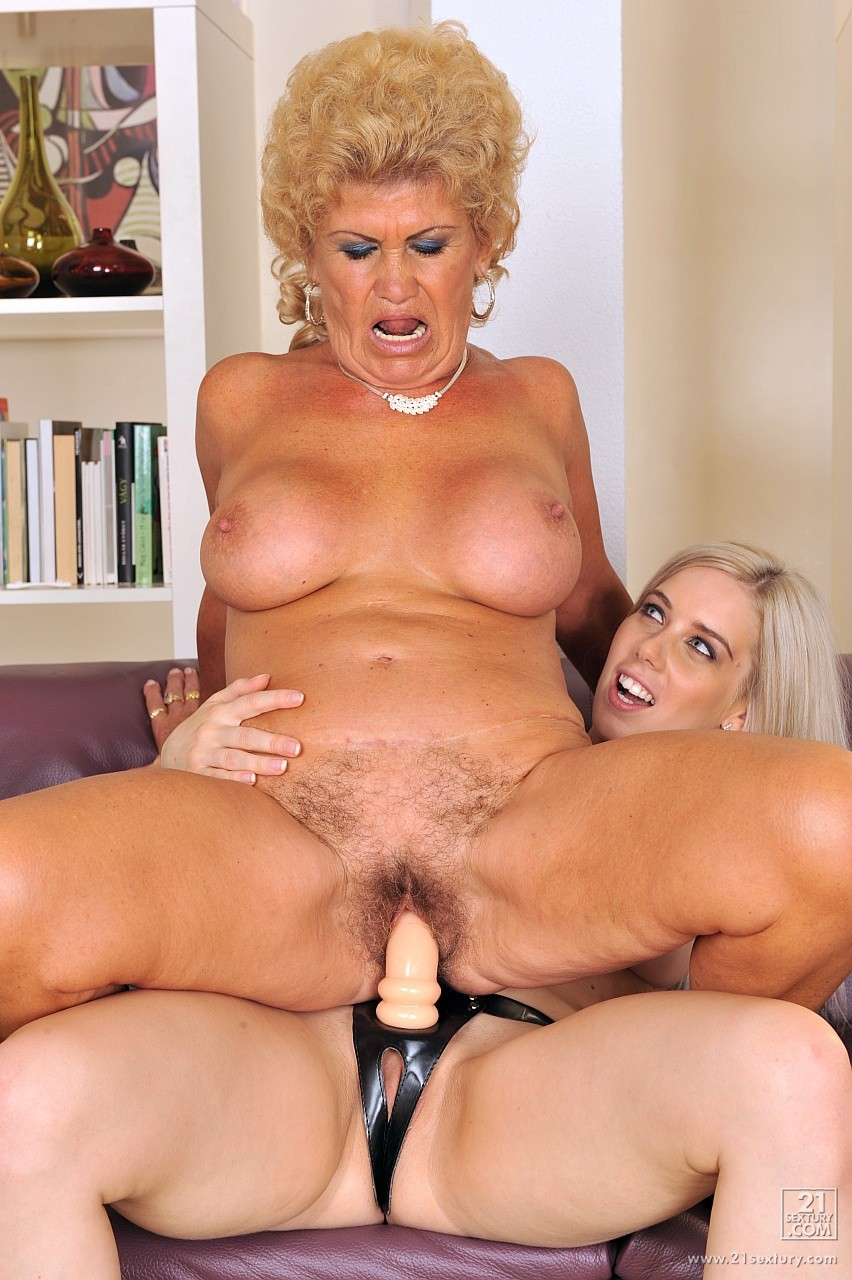 ugly girl fucked by strapon