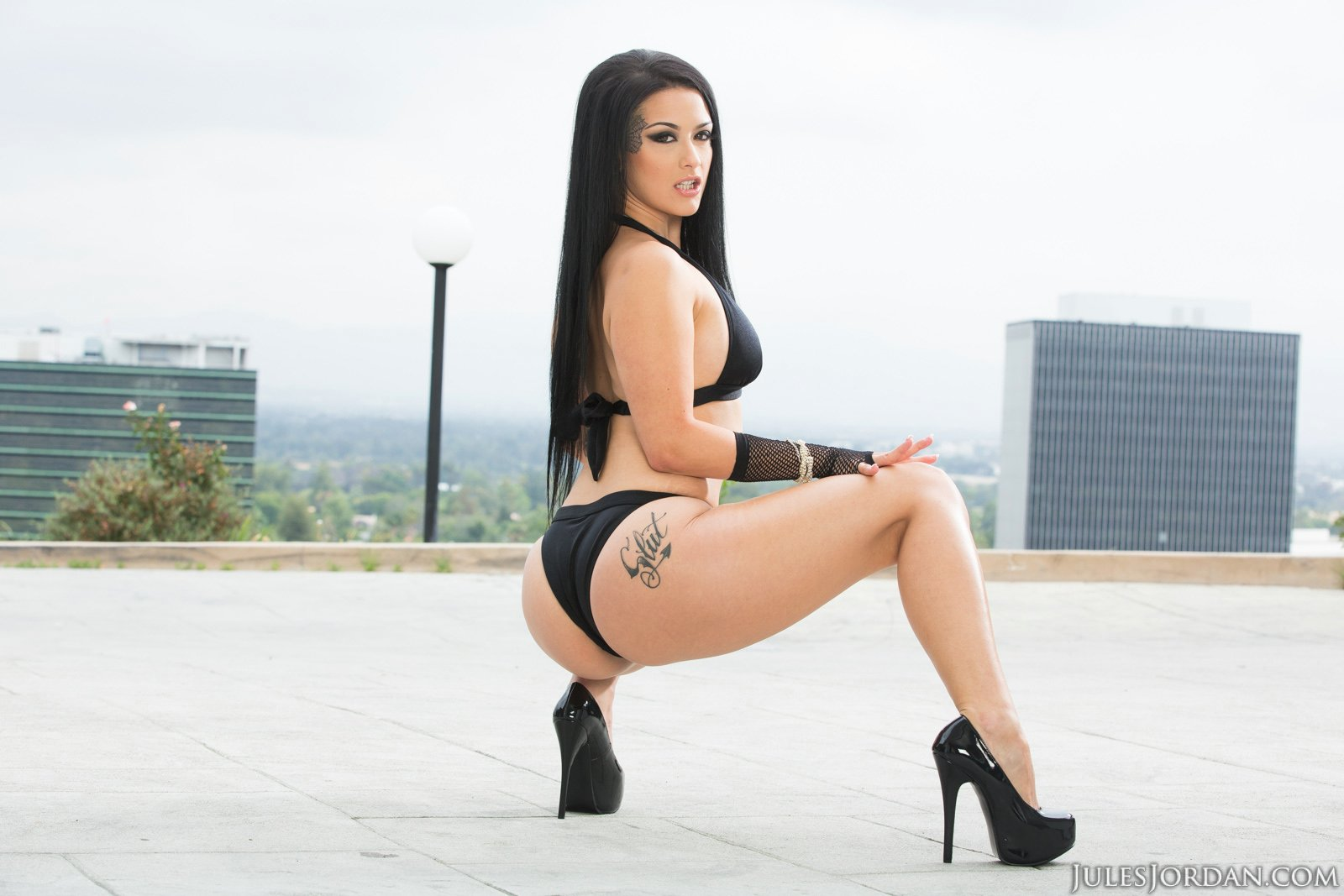 Good Katrina in sexy high heels what necessary