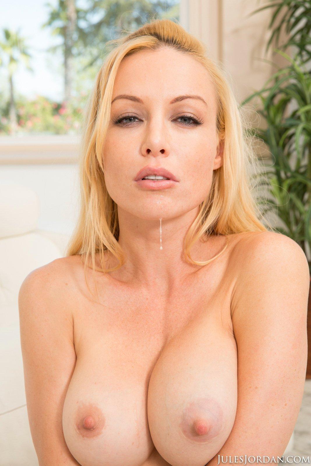 enjoys hot sex with manuel ferrara   porn pics at my pornstar book