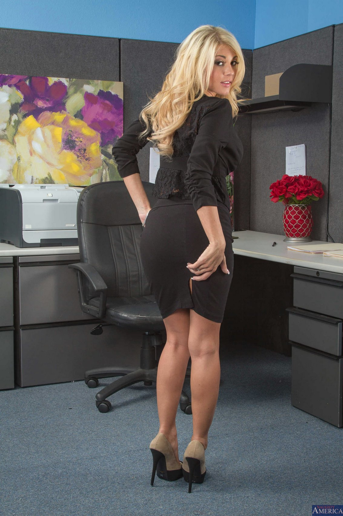 Sexy Blonde Kayla Kayden Stripping In The Office - My -2942